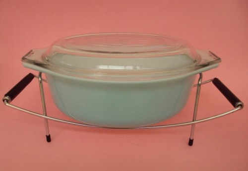 JAJ pyrex dish with stand