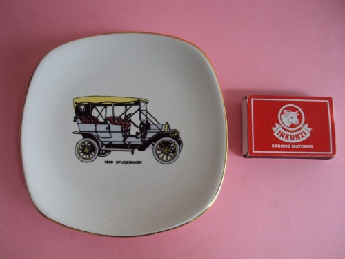 Small Drostdy plate with matchbox