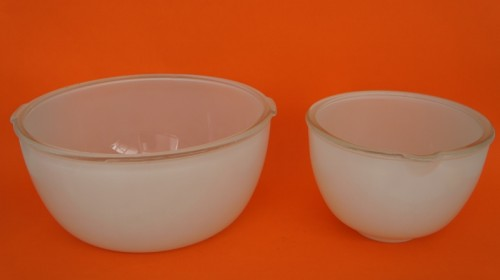 Pair of vintage mixing bowls